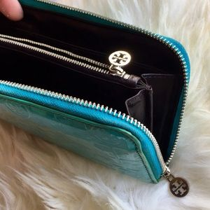 Authentic Tory Burch wallet ❤️